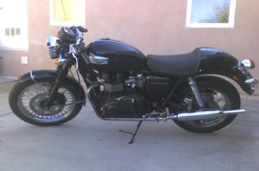 New Thruxton seat, cowl and rear shocks