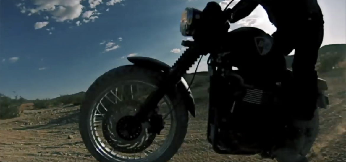 Triumph Scrambler vs. Triumph Tiger 800xc video