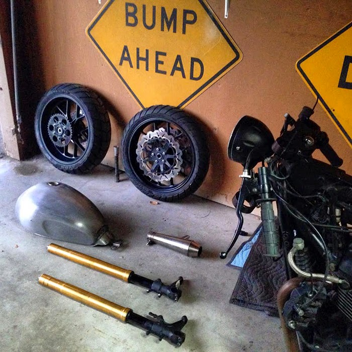 Cafe racer parts, Triumph