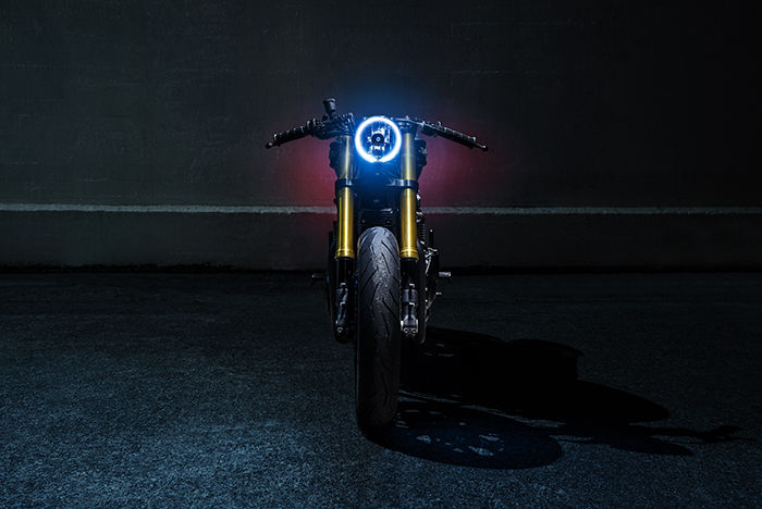 Cafe racer - light painting - triumph