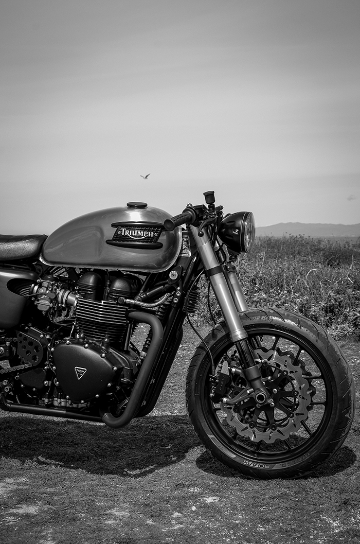 Triumph cafe racer, inverted forks, carrozzeria wheels
