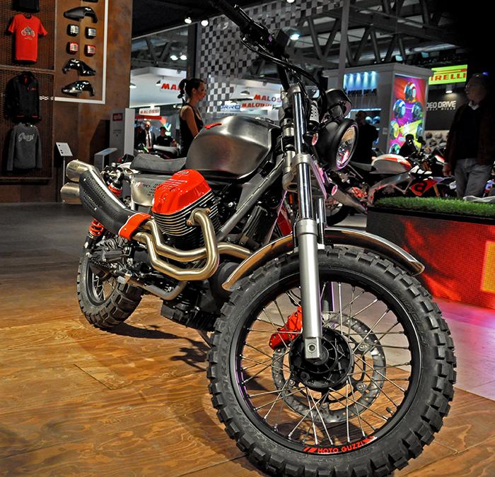 Moto Guzzi V9 X-Track front end