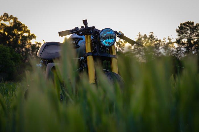 Custom Triumph Bonneville - motorcycle photography