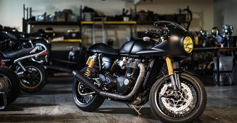 Custom Triumph Thruxton R : Through the Lens