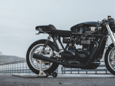 Triumph Thruxton R by deBelox Engineering