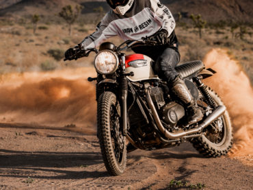 Triumph Street Twin Desert Sled by British Customs