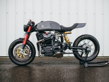 Blacktrack Motors BT-01 Carbon cafe racer