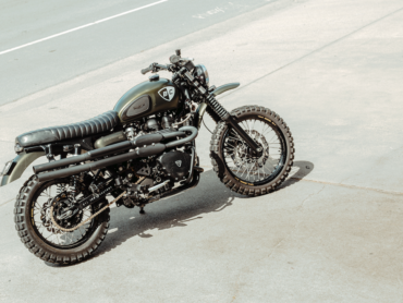 British Customs Scrambler 900 Custom: The Dirt Bike V2
