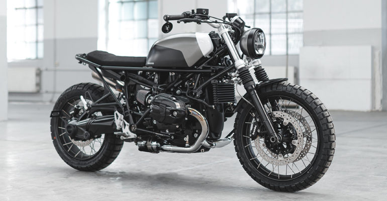 Hookie Co BMW Scrambler – Grey Chameleon & Moto-Kit