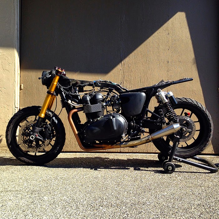 Triumph Bonneville stripped, British Customs