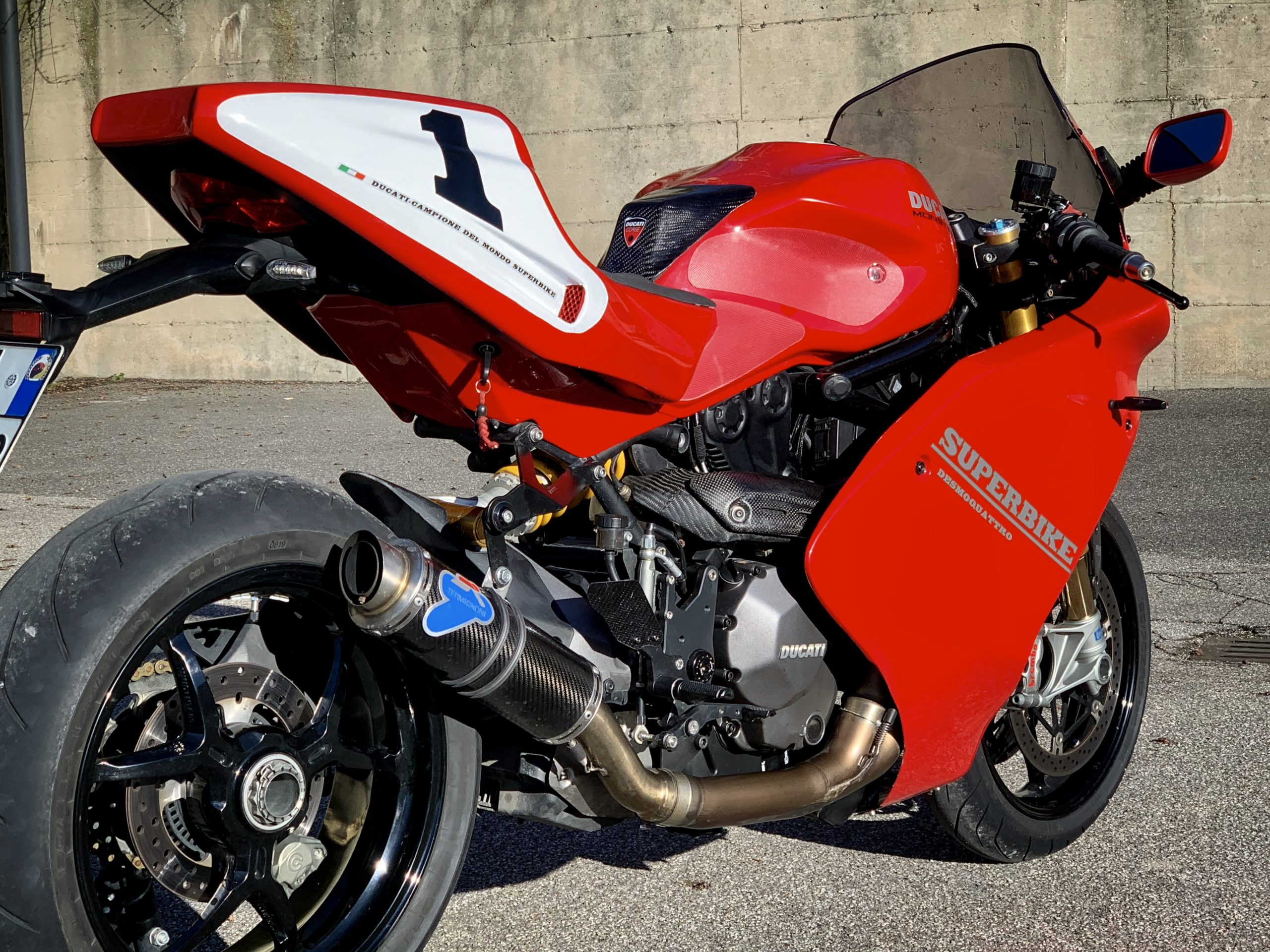 Custom Ducati Monster mixed with Ducati 900SS - termignoni